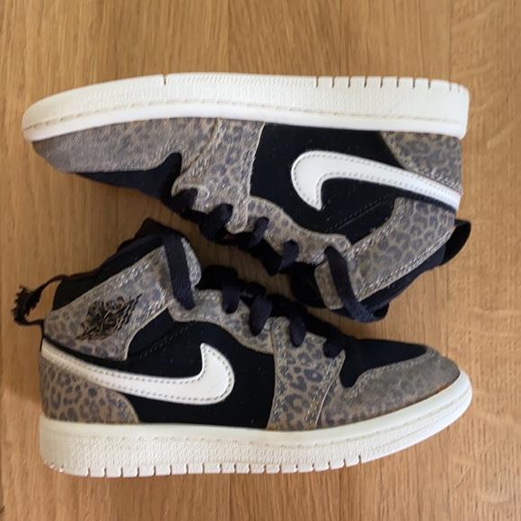 Nike Air Jordan Leopard Sneakers